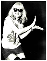 thumbnail link to original c.1977 Chalkie Davies photograph of Debbie Harry