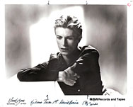 thumbnail link to original RCA David Bowie Tom Kelley photo.